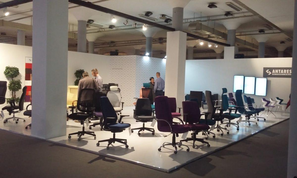 Kao i uvek, u ponudi imamo daktilo stolice, radne stolice, konferencijske stolice kao i direktorske i menadžerskefotelje